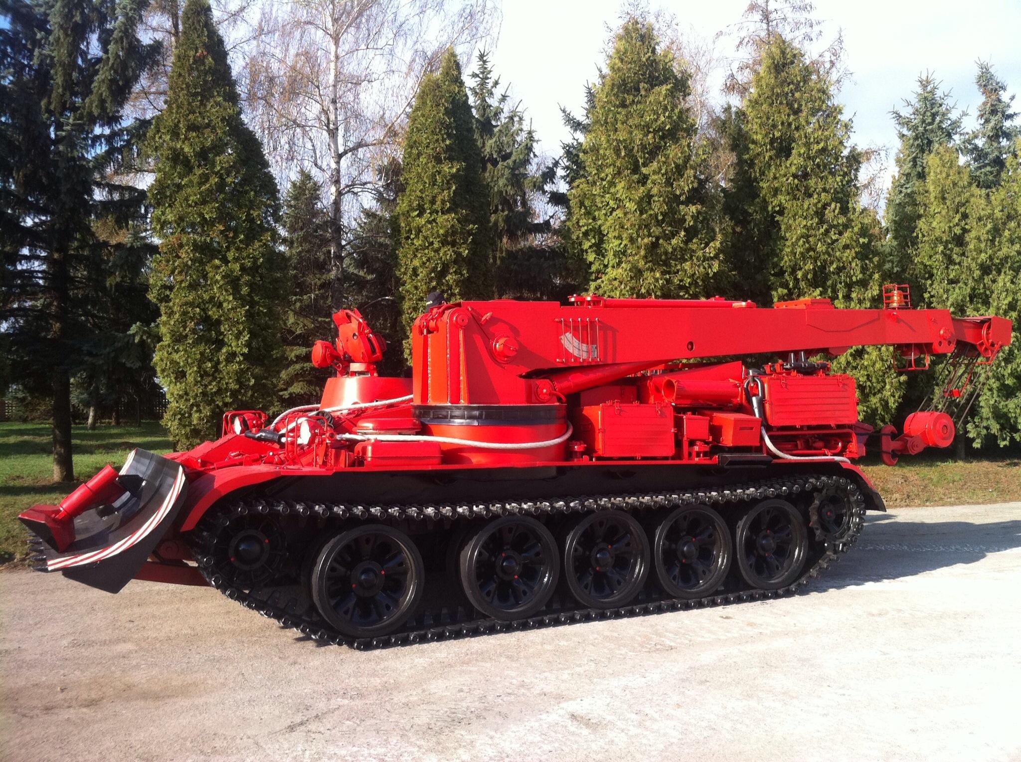 unikátny hasičský vyprošťovací buldozérový tank JVBT